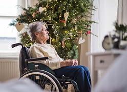 anziani soli a Natale
