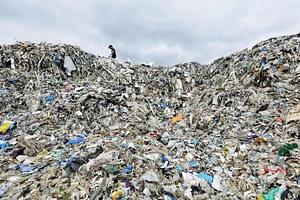 traffico illegale rifiuti di plastica