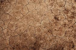 meno acqua più aridità