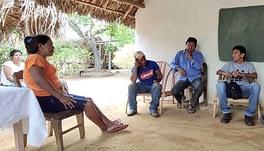 Amazzonia - cercatori d'oro armati attaccano villaggi indios