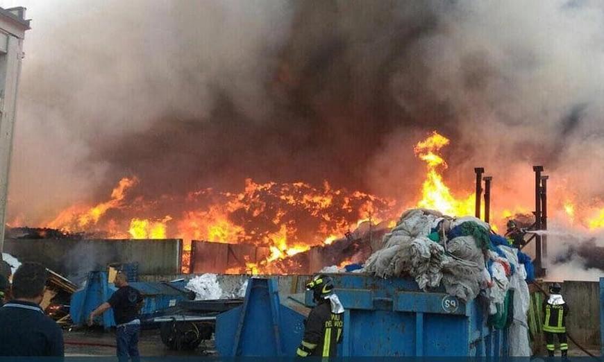 Incendio discarica