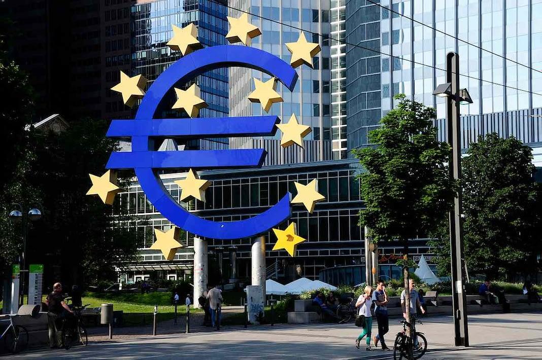 Euro- Adesso Basta
